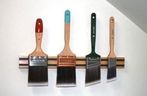 paint-brush-storage